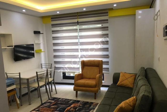 <p>Mutlu şehir Sinop'a gelip, hem yüksek fiyatlara otelde kalıp sadece bir odaya sıkışmaktan bunaldıysanız günlük kiralık dairelerimiz tam size göre. Daha uygun bütçeyle daha yüksek konfor arayanlar için kendi evinizde kalırmışcasına huzurlu bir tatil geçireceksiniz. Sinop Realist Pansiyon, konforun adresi.</p>
